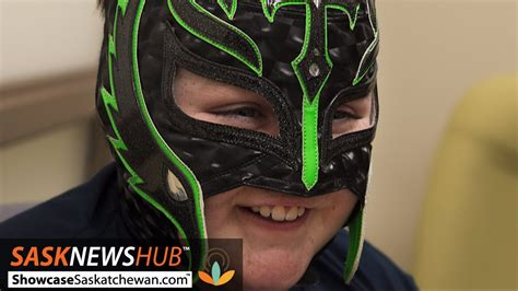 How To Make A Mysterio Mask Out Of Paper - mysterio mask helps brain tumour patient