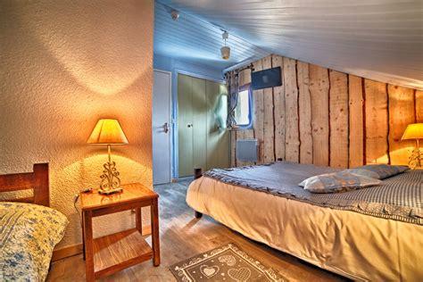 chambre avec bain nos chambres actualites de l hotel le blanchon