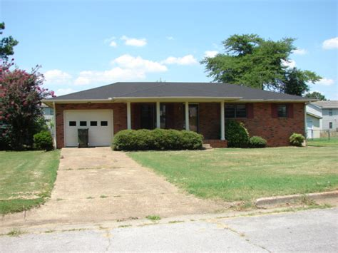 houses for sale in decatur al 210 larkwood dr sw decatur al 35601 detailed property info reo properties and bank