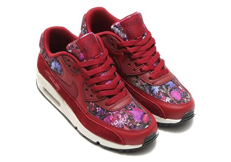 Airmax Flowers nike air max 90 s floral 881105 600 sneakernews