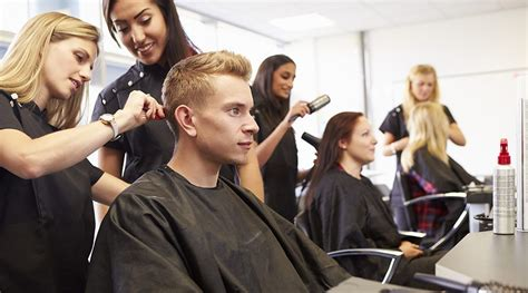 Hair Dresser In by Teaching Hairdressers How To Become A Hairdresser Hairdresser Australia