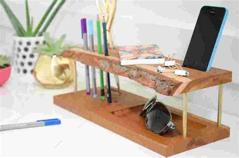 Make It Modern Wooden Diy Desk Organizer 187 Curbly Diy Desk Organizer Diy