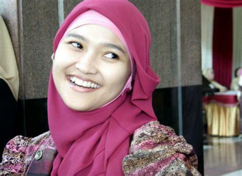 Jilbab Instan Yang Cocok Untuk Wajah Bulat Model Jilbab Untuk Wajah Bulat Images