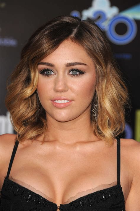haircut games miley cyrus miley cyrus cleavage at the hunger games 23 fabzz