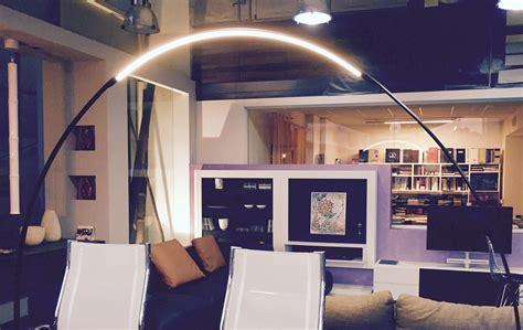 aziende di illuminazione per interni lada da esterno ad arco modello halley vibia