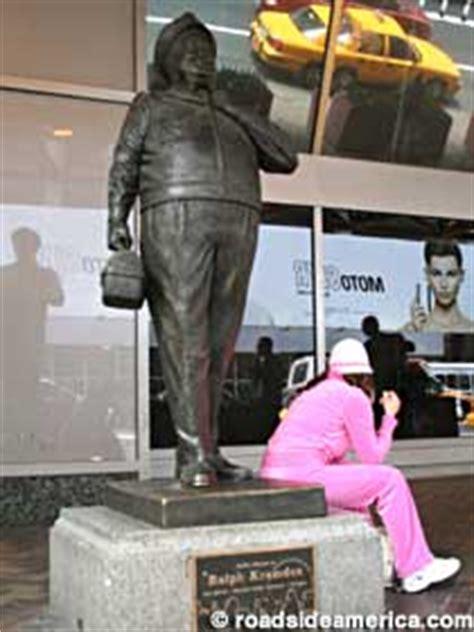ralph kramden statue, new york, new york