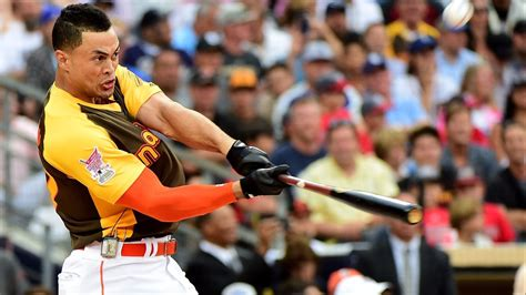 giancarlo stanton will defend home run derby crown at