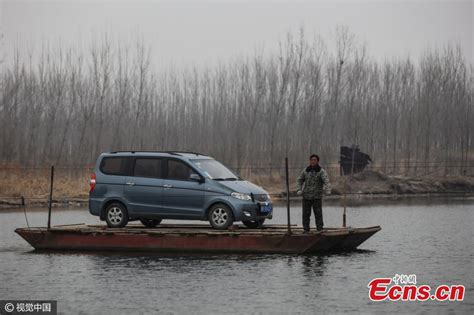 ferry boat uses commuters use ferry boat to survive traffic jams 3 4