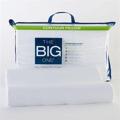 Kohl S Memory Foam Pillow by Kohl S The Big One Gel Memory Foam Contour Pillow For