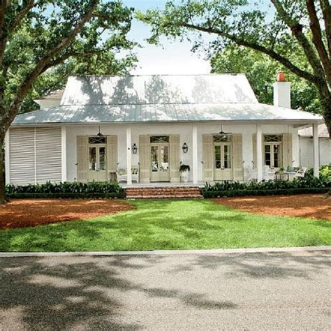 White House Cottages by Siding Sherwin Williams White Shutters And Doors Benjamin S Clay Beige Porch