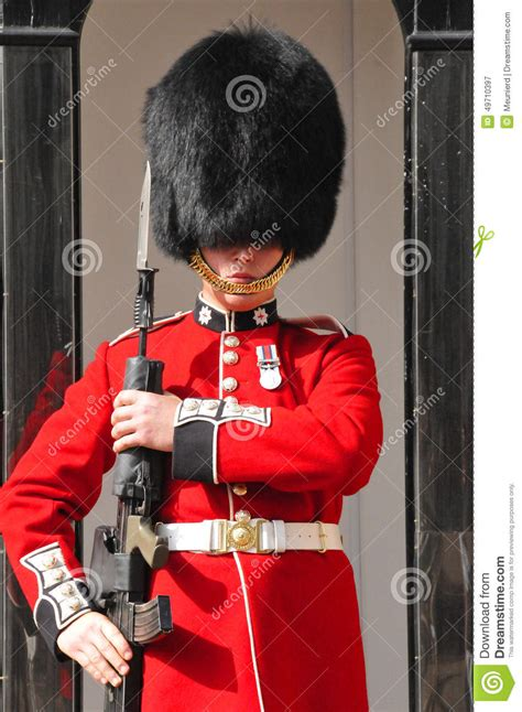queen s queen s guard editorial photography image 49710397
