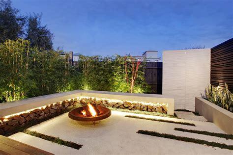 Compact Garden Design Project Under the Australian Sun: Esplanade East Freshome.com
