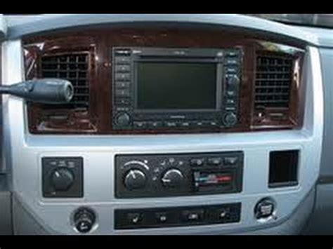 How to Remove Radio / CD Changer / Navigation from 2008