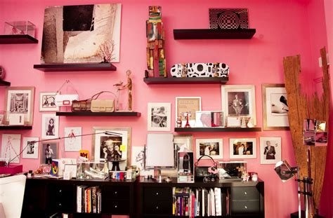 how to decorate a bedroom with pink walls color psychology pink walls and love the tao of dana