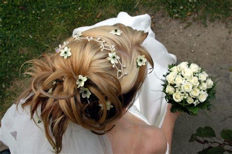 Hochzeitsfrisur Halb Hochgesteckt by Hochzeitsfrisur Hochgesteckt Bildergalerie Hochzeitsportal24