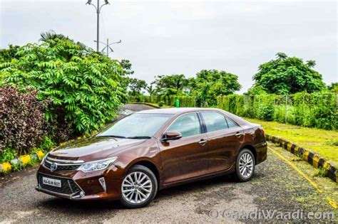 Toyota Camry India 2015 Toyota Camry Hybrid Test Drive Review India