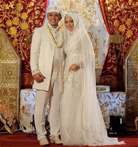 Baju Nikah Muslimah Menutup Aurat Inspirasi Foto Pengantin Muslim Modern Tapi Tetap Syar I