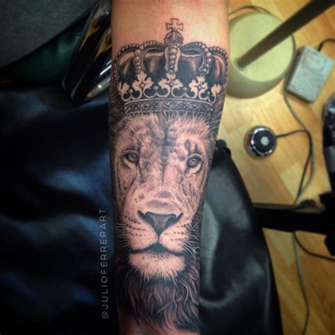 lion with crown tattoo with a crown by julio ferrer in sacramento ca