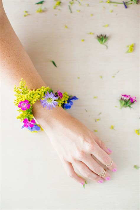 how to make flower bracelets with diy floral jewelry that s for time
