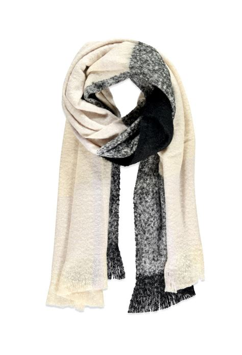 forever 21 fringed oversized plaid scarf in black lyst