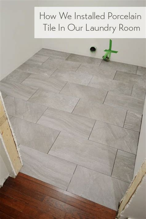 how to lay floor tile in a bathroom 17 best ideas about porcelain tiles on pinterest white