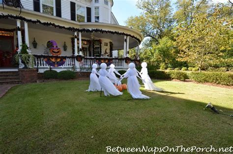 Visit Marie's Victorian Home Decorated and Lit for Halloween