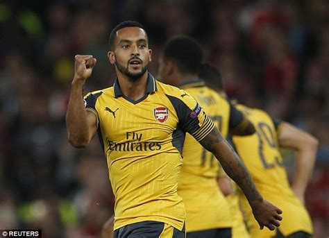 alexis sanchez clean cars theo walcott believes his blossoming partnership with
