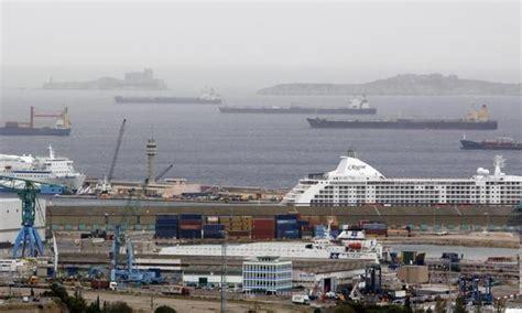 le port de marseille bloqu 233 par une gr 232 ve des dockers