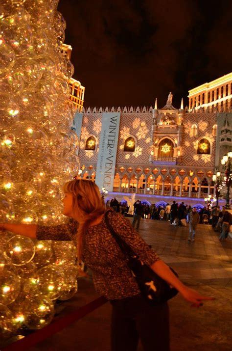 venetian las vegas christmas tree outside the venetian in las vegas favourite places travel destinations