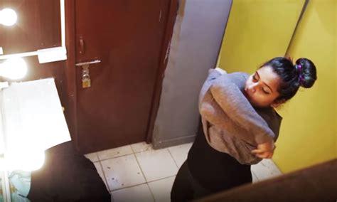 hidden camera in girls bedroom ଟ ର ଏଲ ର ମର କପଡ ବଦଳ ଛନ ତ କ ଏହ ୫ ଟ ଜ ନ ଷ ଉପର ଧ ୟ ନ