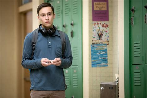actor atypical netflix atypical star keir gilchrist talks new netflix show