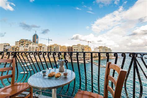 appartamenti malta st julians appartamento sul lungomare spinola bay st julian s