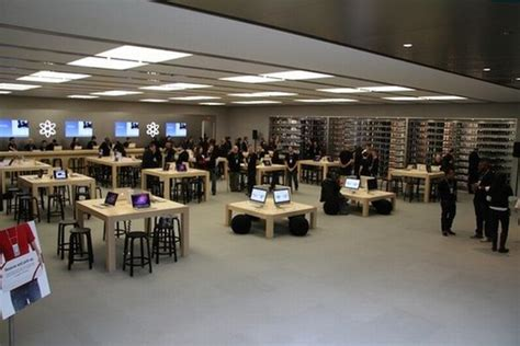 apple headquarters tour virtual tour of the new apple store on broadway new york