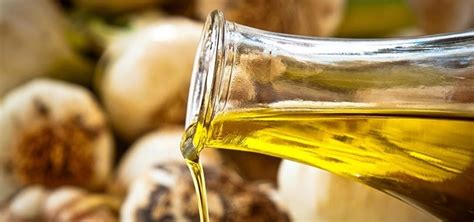 how to make garlic infused olive vinegar at home