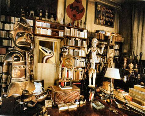 Papier Peint Cabinet De Curiosité by For Pilar Breton S Apartment At 42 Rue Fontaine