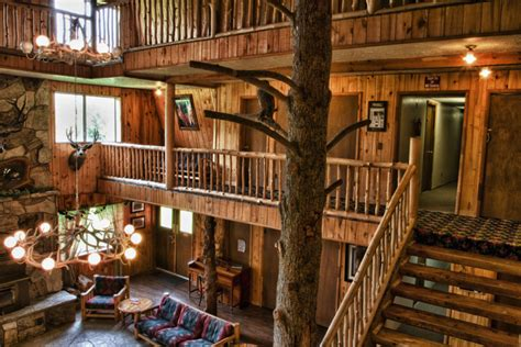 Old World Dining Room Rockin R Ranch Dude Ranch Lodge Dude Ranch Accommodations