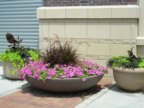 Outdoor Flower Pots Big Flower Pots And How To Plan For The Plants To Plant In