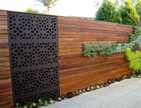 Garden Fence Screening Ideas Screening Fence Or Garden Wall 102 Ideas For Garden Design Interior Design Ideas Ofdesign