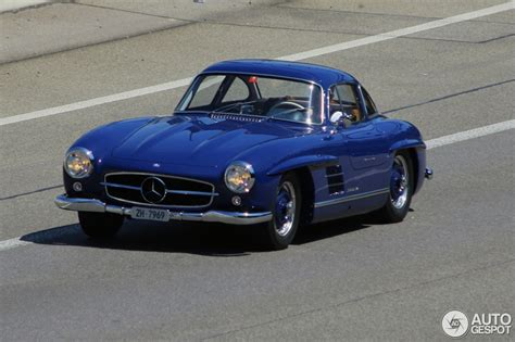 New Gullwing Mercedes by Mercedes 300 Sl Gullwing Spotted In Blue
