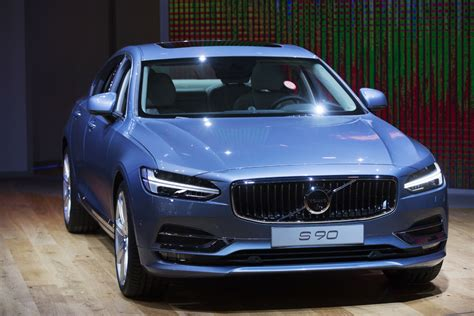 volvo  detroit flagship  sedan unveiled toronto star