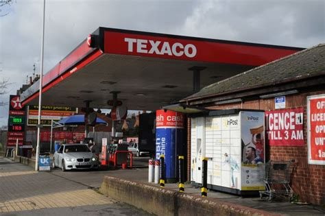 nearest garage petrol oxford road screwdriver attack threatened after being