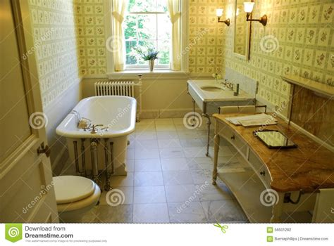 old fashioned bathrooms best vintage bathroom floor ideas on pinterest small