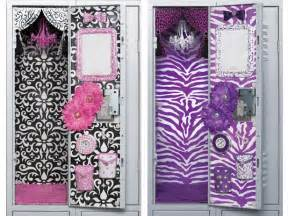 purple locker chandelier easy diy locker decorations ideas for teenagers