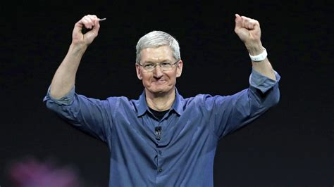 Is A Gonzaga Mba Worth It by Apple Ceo Tim Cook Vows To Donate Entire Fortune To Duke