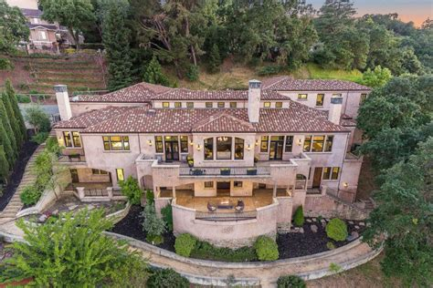 steph curry house stephen curry sells walnut creek house for a loss curbed sf