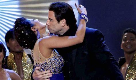 priyanka chopra john travolta s hot dance at iifa awards 2014 iifa awards 2014 video priyanka chopra and john travolta