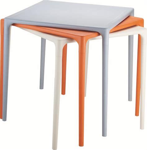tavoli impilabili mango tavoli quadrati con quattro gambe in polipropilene