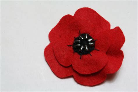 pattern for felt poppy felt poppies for remembrance day tally s treasury