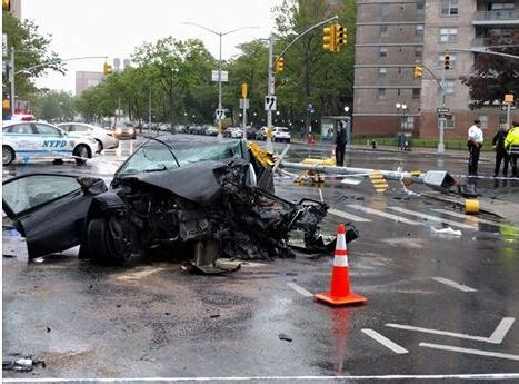 Car Lawyer Ny 5 by Two Suffer Serious Personal Injury In Nyc Car