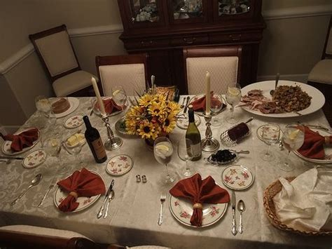 setting a table for thanksgiving dinner thanksgiving dinner table set table setting